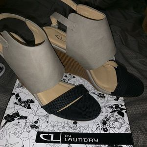 CL by Laundry sandal wedges